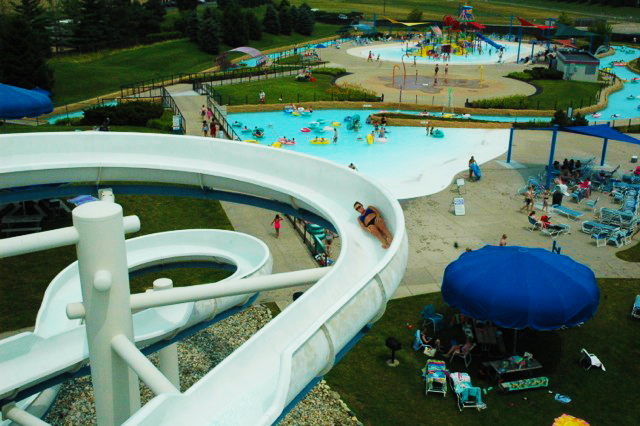 Make A Splash This Summer At Red Oaks Waterford Oaks Waterparks Oakland County Blog