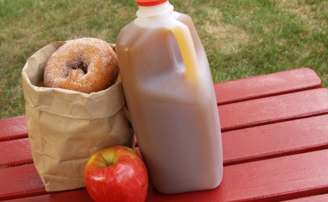 stock-photo-_cider-and-donuts